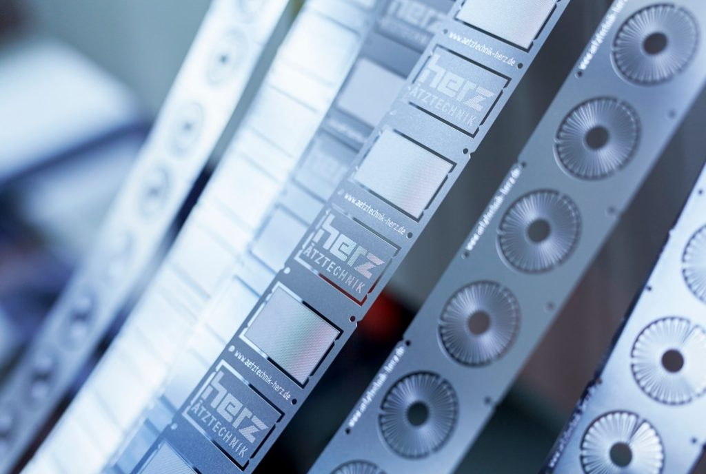 Ätzen von Druckscheiben für die Messung des Einspritzdruckes im Common-Rail